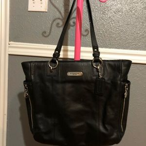Coach Black all  leather shoulder handbag